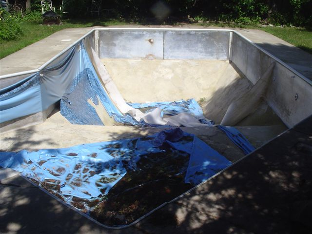 How long do swimming pool liners last waukesha