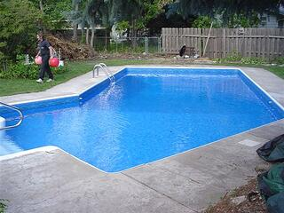 How Long Do Swimming Pool Liners Last