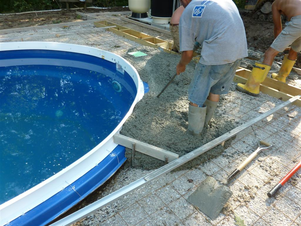 Why is Cantilevered Concrete on a Fiberglass Pool so Important? Milwaukee